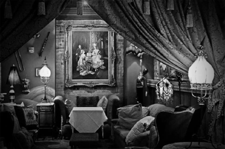 Muriel's Séance Lounge