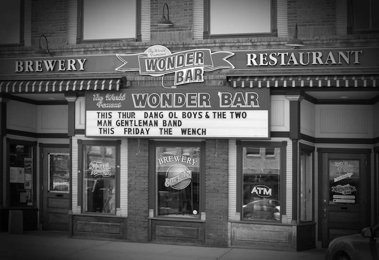 Wonder Bar, Casper