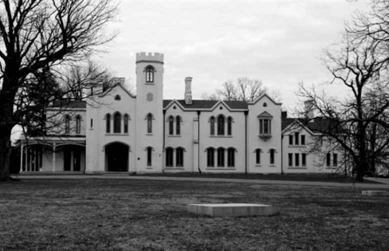 Loudoun House
