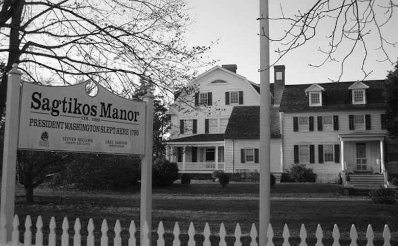 Sagtikos Manor, Bay Shore