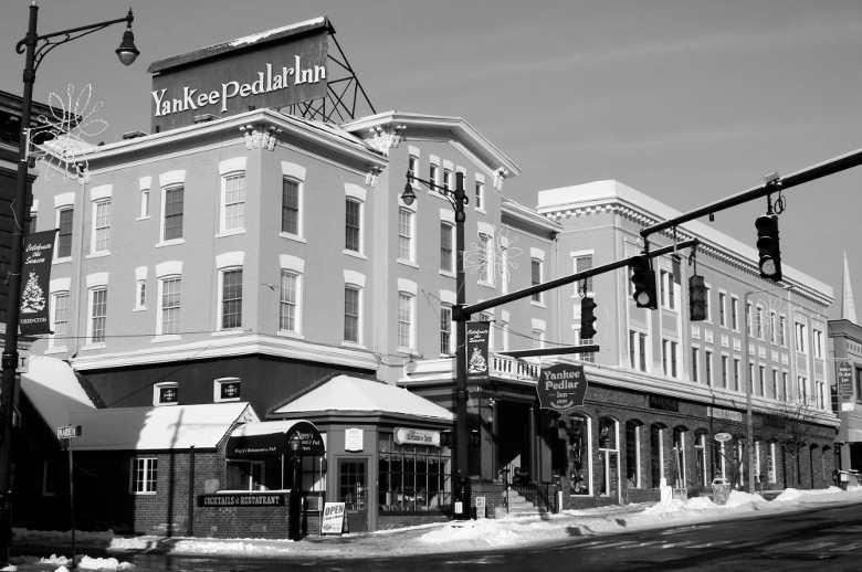 Yankee Peddler Inn, Torrington