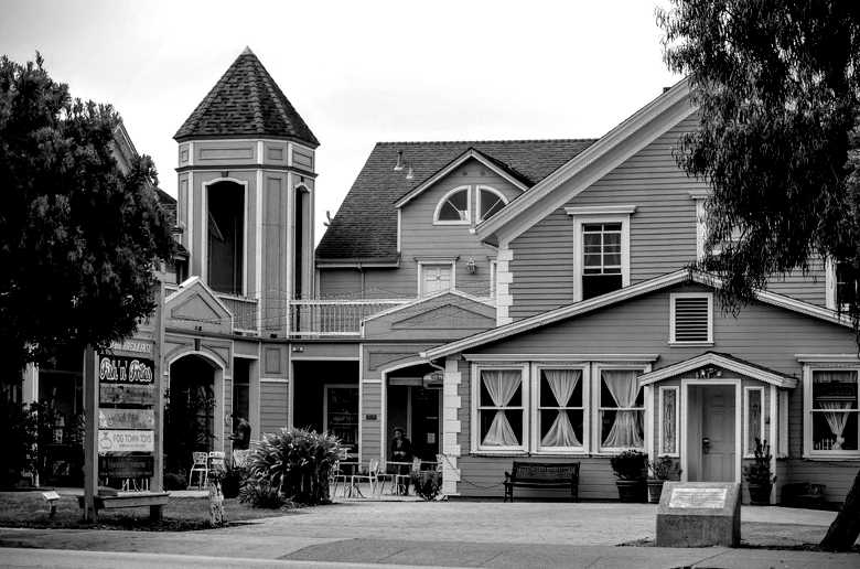 Zaballa House, Half Moon Bay