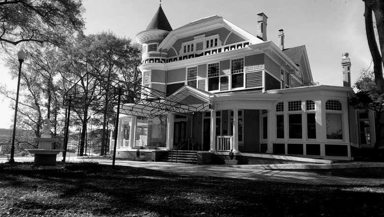 Hotel Finial (formerly the Victoria Inn),Anniston, AL