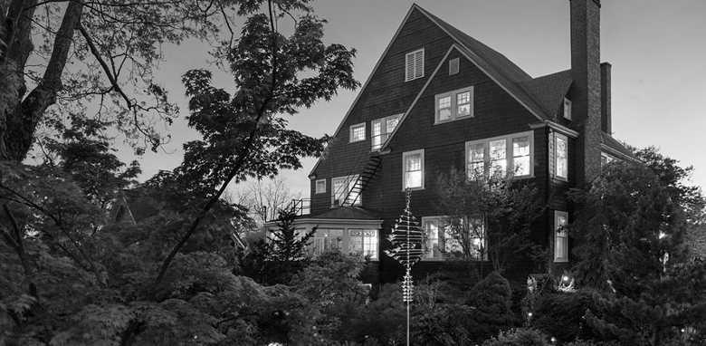 1889 White Gate Inn, Asheville