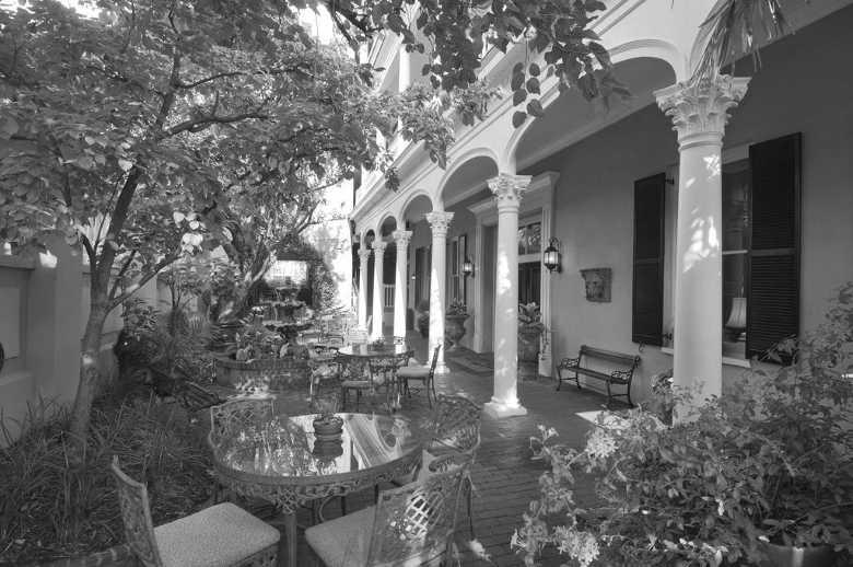 Meeting Street Inn
