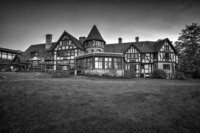 Punderson Manor, Newbury