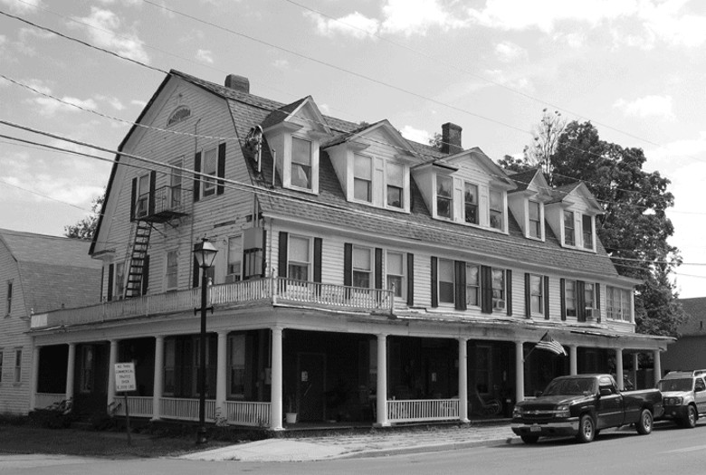 The Shanley Hotel Is Actually One Of Mostly Famous Haunted Hotels In New York This Place Claims To Be So Terrifying That Guests Are Asked Sign A