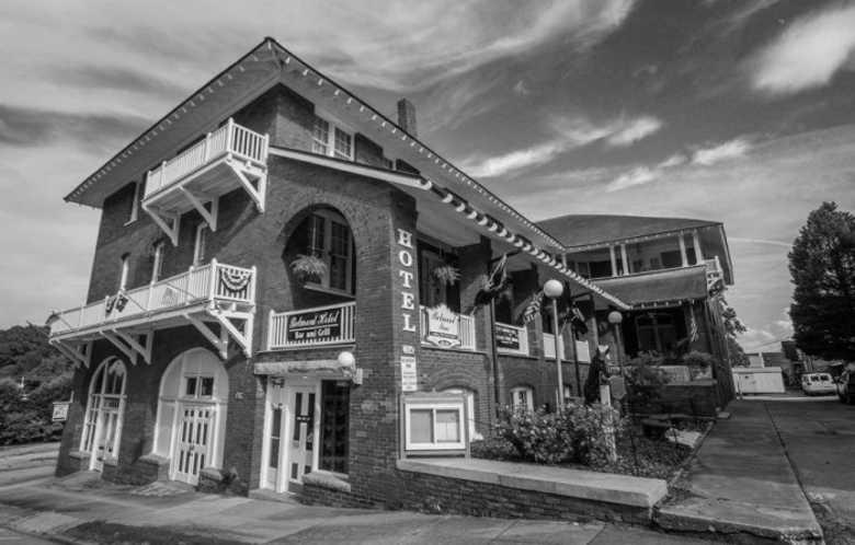 The Historic Belmont Inn, Abbeville