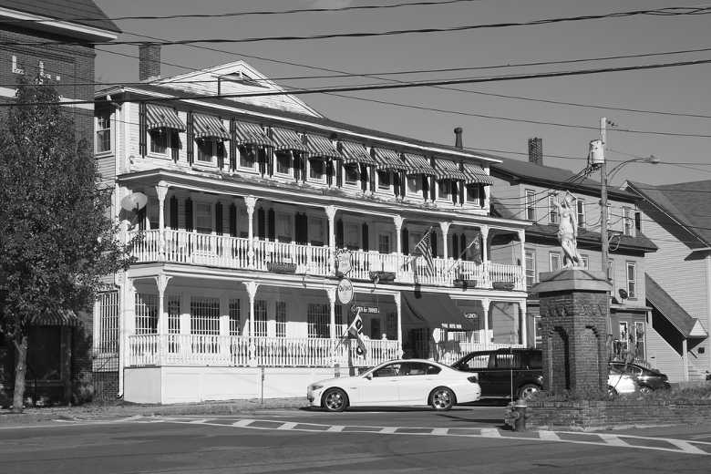 Tilton Inn, Tilton