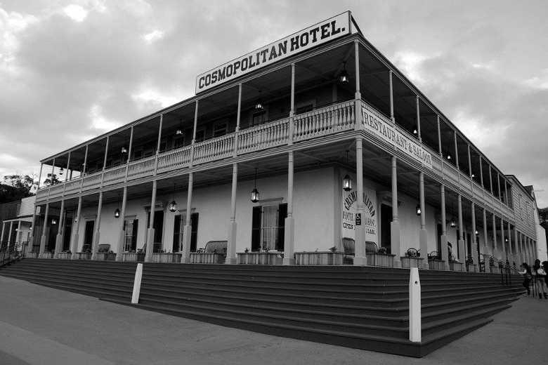 Cosmopolitan Hotel & Restaurant