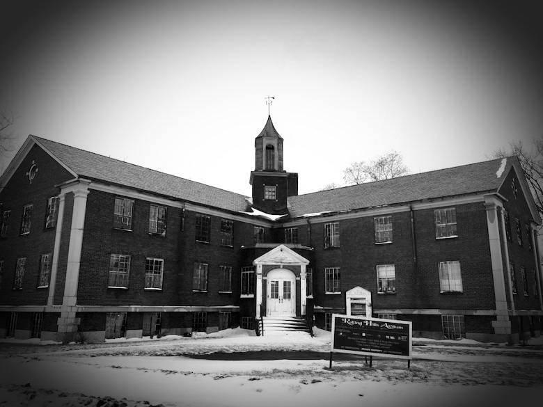 Rolling Hills Asylum, New York