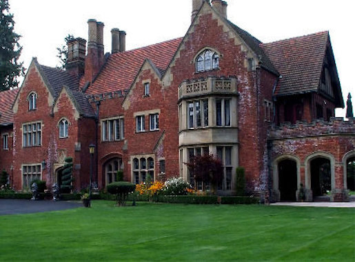 Thornewood Castle Front