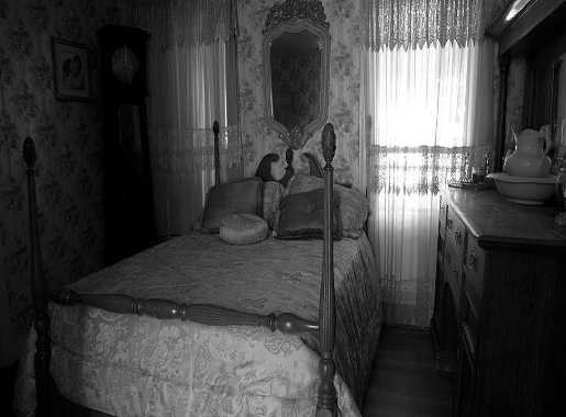 Black Swan Inn Bedroom